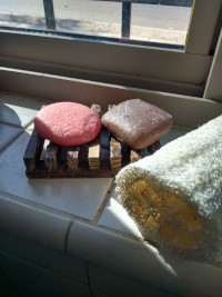 Shampoo soap bar (pink) from ecoroots.us and body soap bar (brown) from Farmer's market.